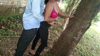 जंगल में मिली दोस्त की माँ को घर बुलाकर चोदा साफ हिन्दी आवाज में