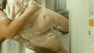 Hot wife Mohini bathing with hubby friends